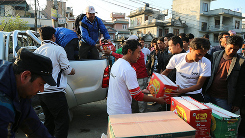 CAFOD partners Caritas Nepal are supporting earthquake survivors by distributing food and providing shelter. Credit: Caritas Australia.