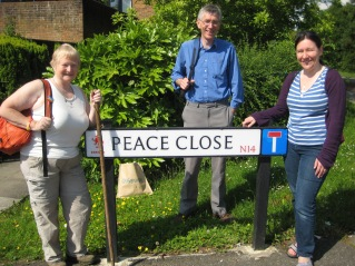 Ann John and Collette set off on previous walk of the london loop